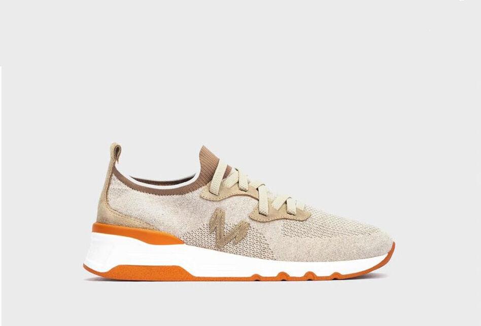 Sock-style urban sneaker. A trendy minimalist-inspired design